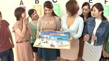 >Javhd เปิดเกมโชว์18+ญี่ปุ่น จับสาวๆนมใหญ่มาให้พระเอกรับเชิญหนุ่มลามกเลือกดูดนม ใครดูดหัวนมเสียวกว่ากันรับเงินไปแถมโมคควยให้ฟรีไปหนึ่งน้ำเงี่ยน