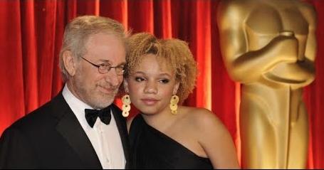 """>เว็บลามกพรฮับ เปิดตัวดาวโป๊ใหม่ """"Mikaela Spielberg"""" ลูกสาวพ่อมด สตีเว่น สปีลเบิร์ก ฉากเด็ดโชว์หีของลูกสาว มิเคลา จอร์จ สปีลเบิร์ก การันตีความเด็ดไม่แพ้หนังฮอลลีวูดของพ่อแน่นอน"""