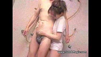 >หนังxชักว่าวเสียวๆ น้องสาวใจแตกจากจีน ประจำเดือนมาครั้งแรกอยากดูควยให้หายเงี่ยน จับควยพี่ชายชักด้วยมือในห้องน้ำ เล่นไปเล่นมาน้ำแตกใส่มือ18+